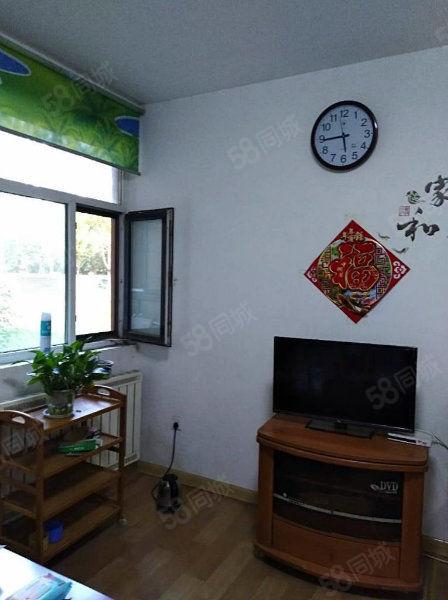中华世纪城简单装修一楼92平方有证三居室可按揭看房方便