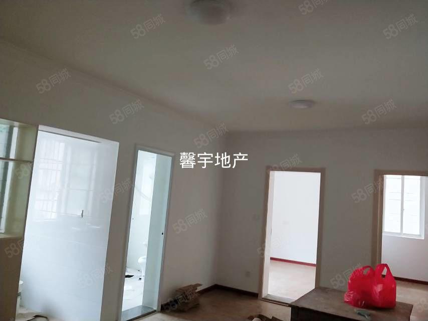 皖西南大市場精裝修兩室一廳空調熱水器油煙機拎包住