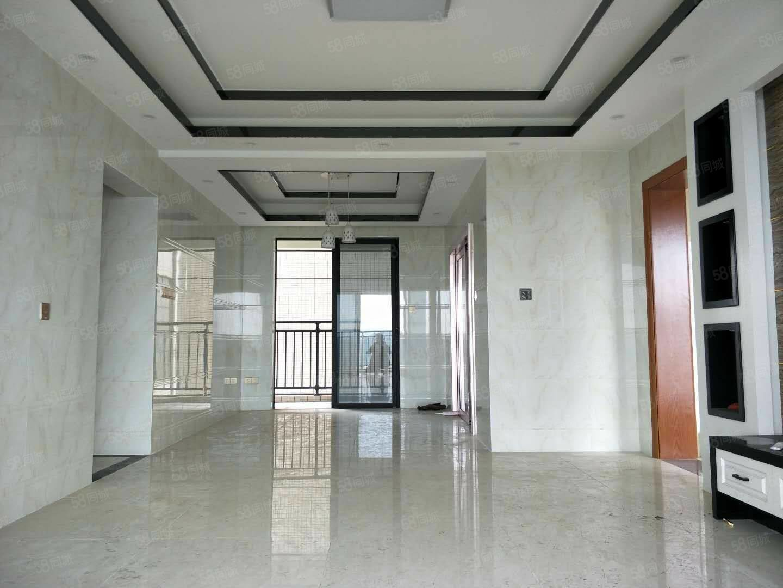 龙熙山,118平方三房装修好没有入住过,南北对流,双阳台,