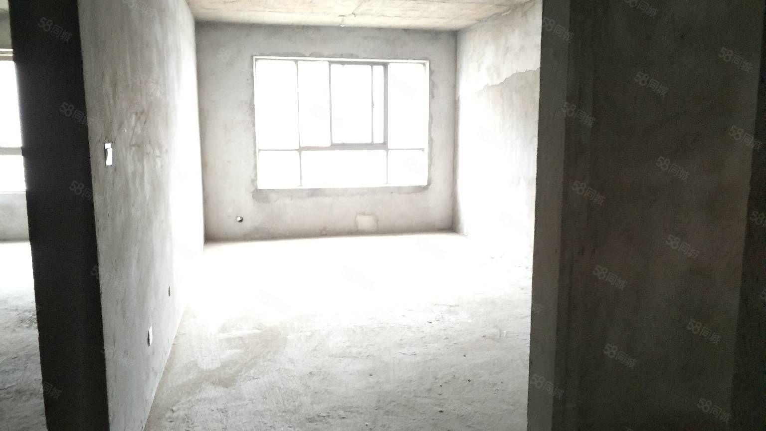 晶宫和苑毛坯房出售周围设施齐全钥匙在手随时看房