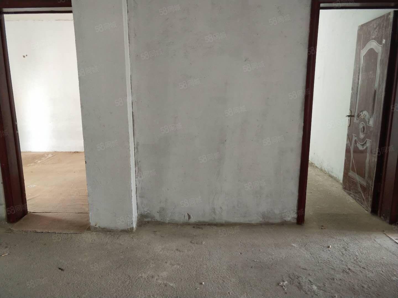 星河灣三期電梯房三室簡裝