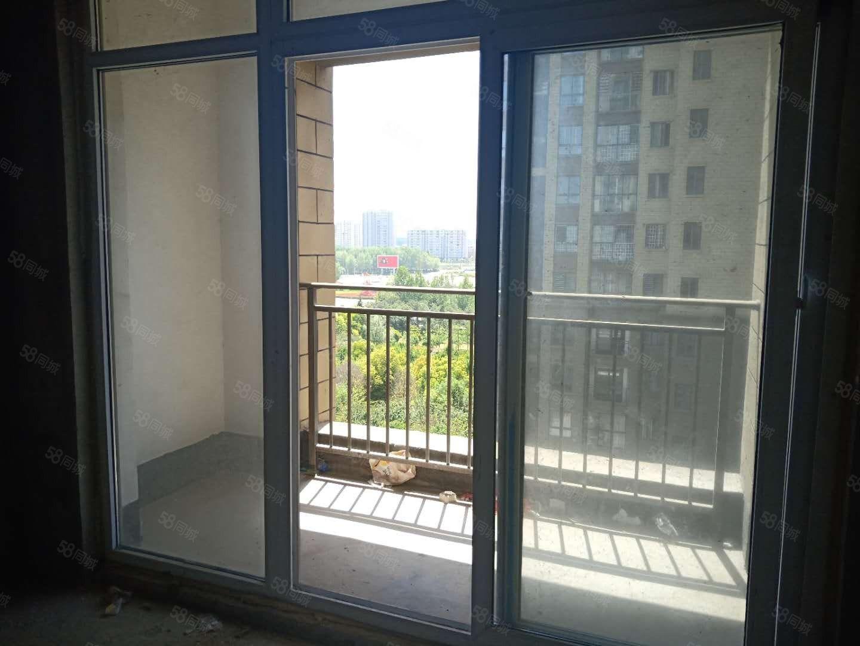 太昊路五一路东来尚城两室两厅有证满二可按揭