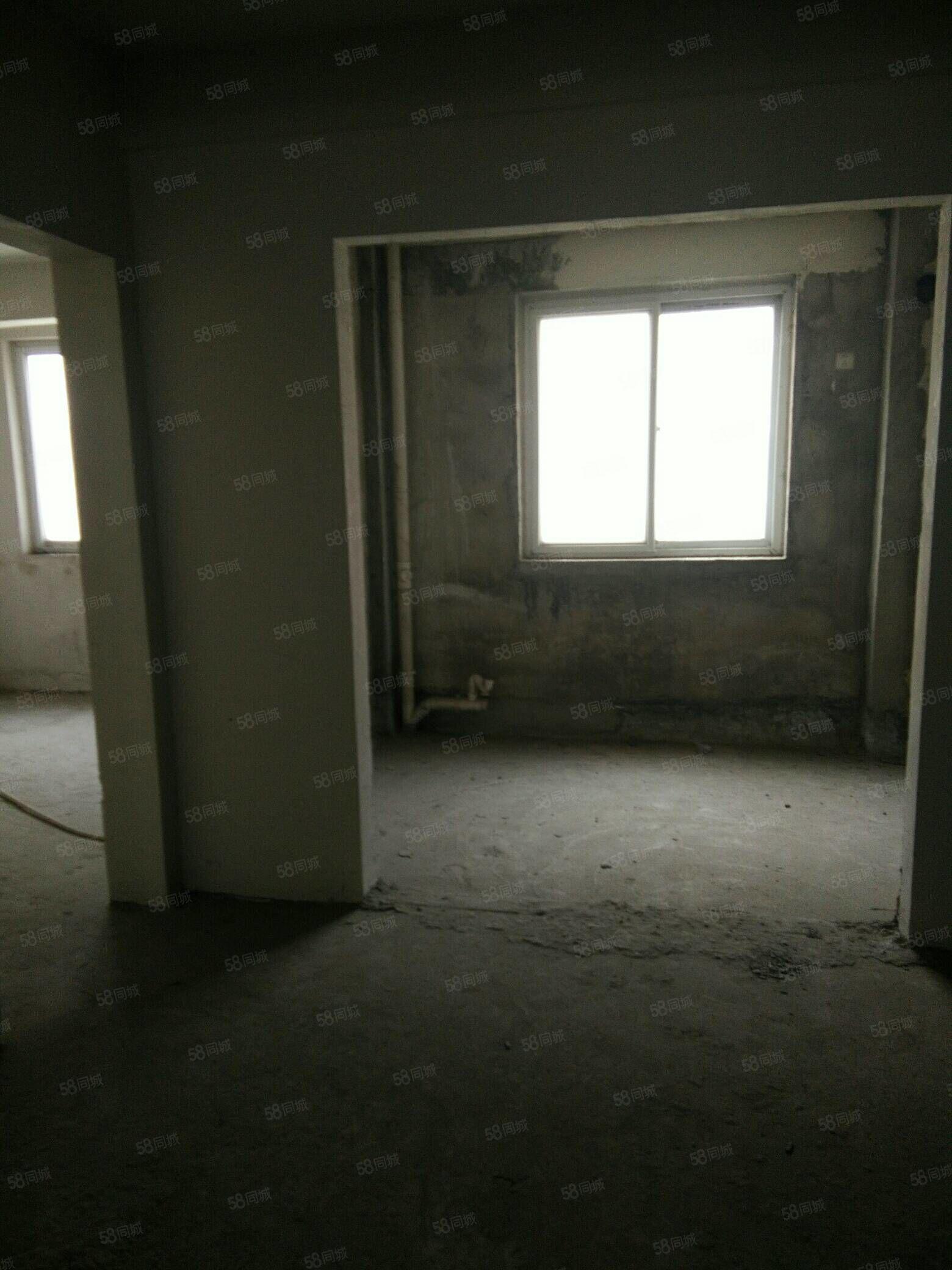 祥安名府13楼东单元东户,四季恒温,物业好绿化好,紧邻学校