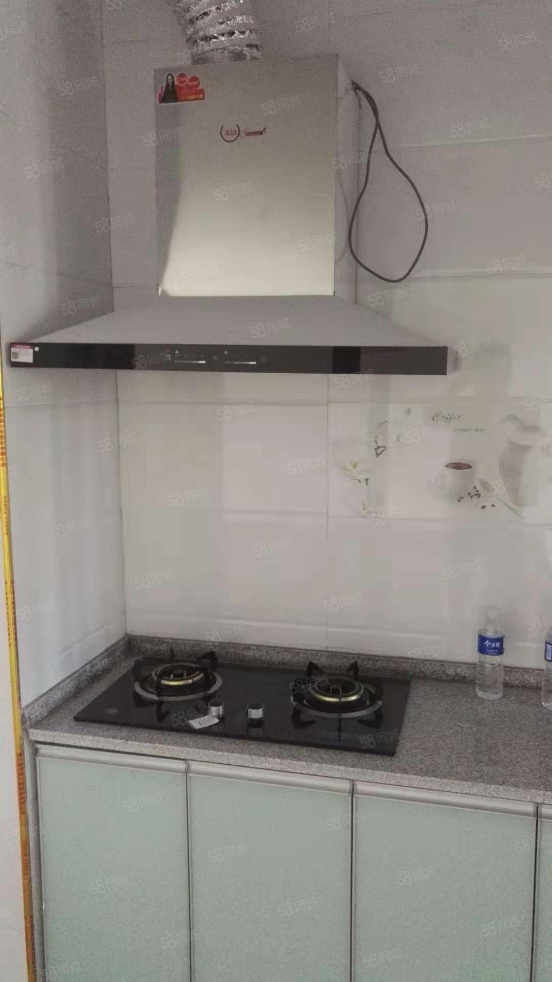 出租凱旋城16層3室新裝廚衛齊全,需要配家電家具面議有鑰匙