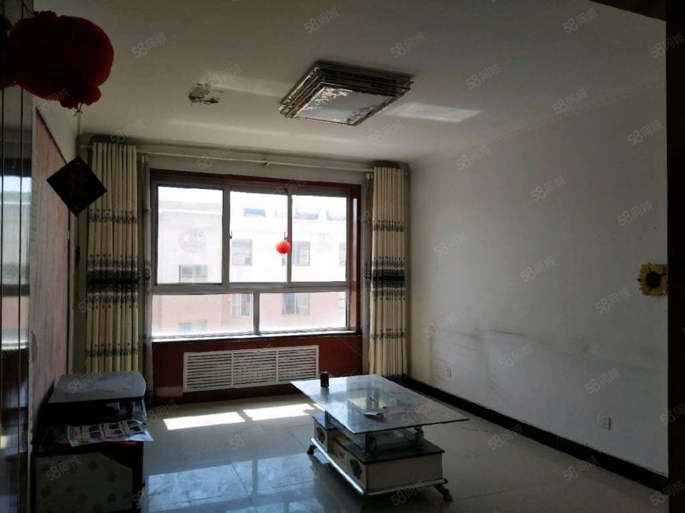 惠民小區兩室一廳簡單裝修簡單家具