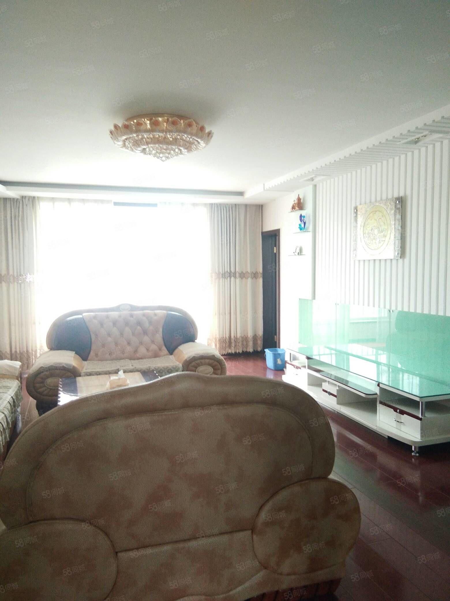 六中家属院118平米四楼精装地暖59.8万可优可按揭