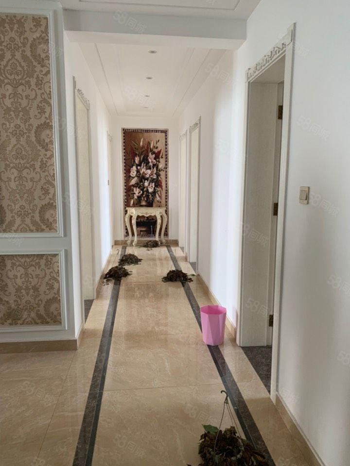 建业森林半岛豪华装修大四房新装未入住有证可按揭