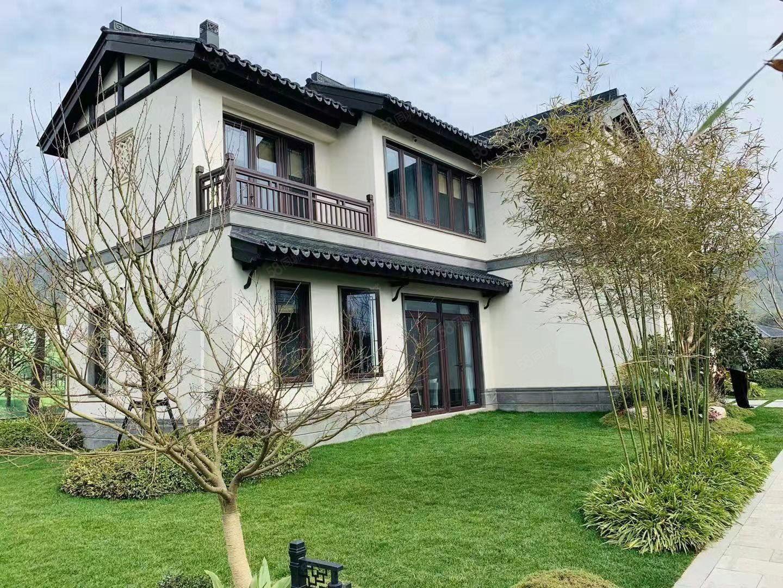 (真实在售)中式风格双拼别墅,精装修,花园150平,看中可谈