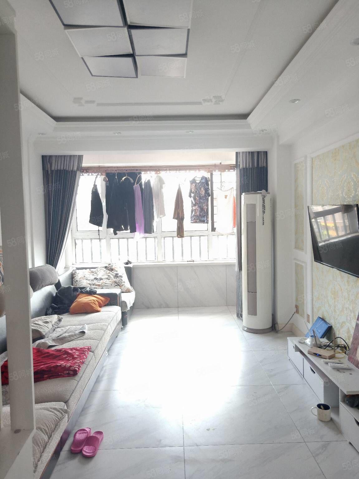 急售富源城堡B區前排兩室一廳精裝修家具家電全帶房照滿2可貸款