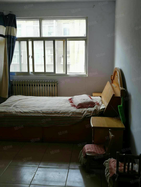 大润发附近房源,干净整洁,生活配套全,租金700月拎包入住