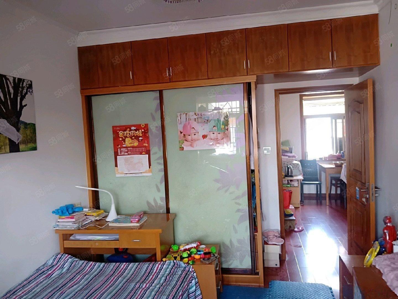 西园新村两室一厅急售