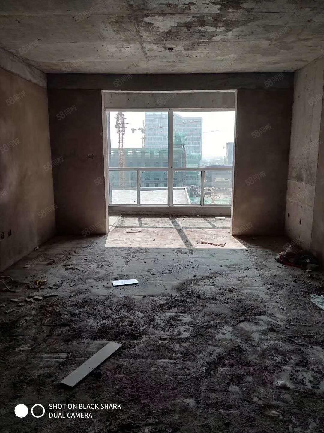 百合花园小区3室2厅2卫毛坯新房
