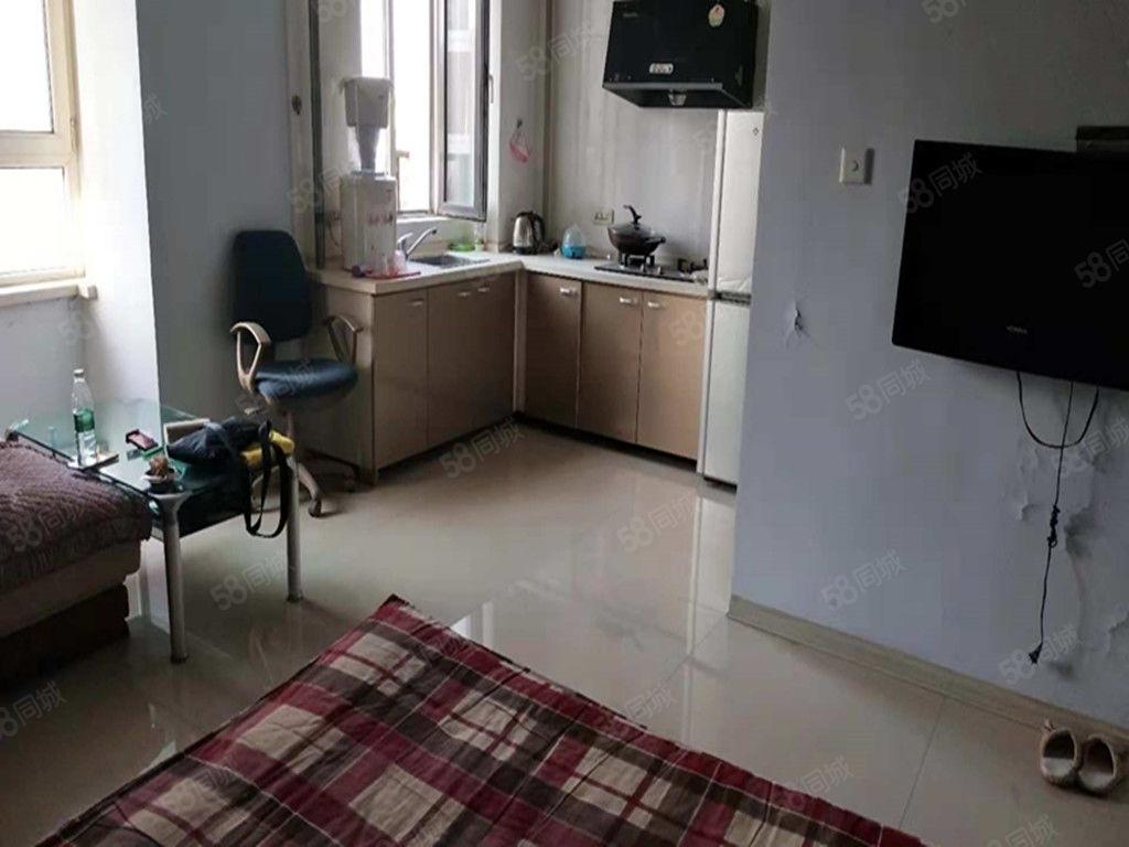 寶地城C區精裝1室包取暖物業電梯家具家電全封閉小區