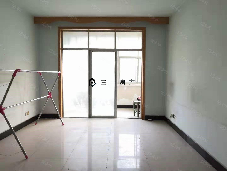三一房產中心大街安居小區簡裝2室南北通透帶地下室!