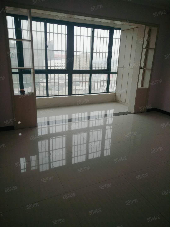 世纪新村10楼三室两厅两卫精装