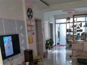 珠江路锦绣小区6楼非顶楼2室2厅1卫中等装修有证