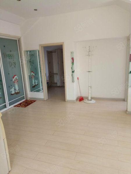 大港莱茵华庭二室一厅简单装修南北通透