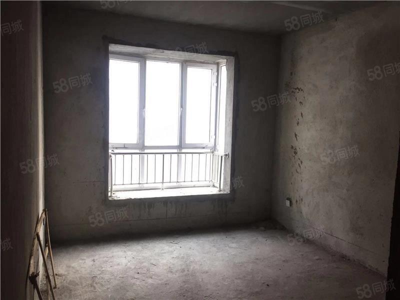 西湖春天b区小三室房子楼层好价格实惠速速来电