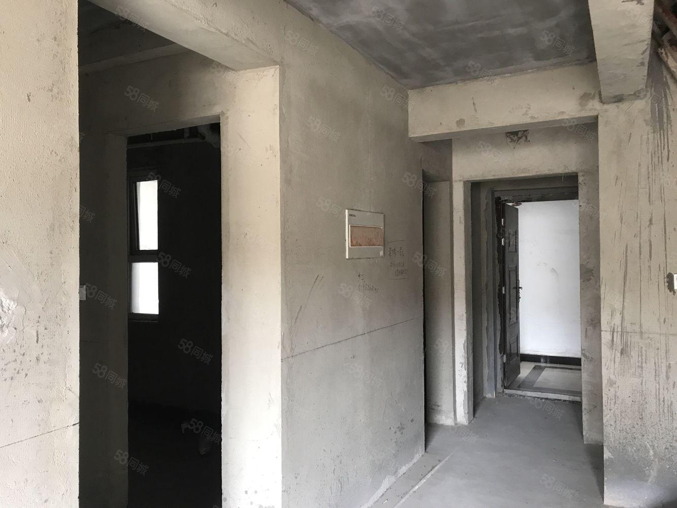 房東急售直降兩萬嘉瑞家園東邊戶可以更名拆遷辦直接上名字。