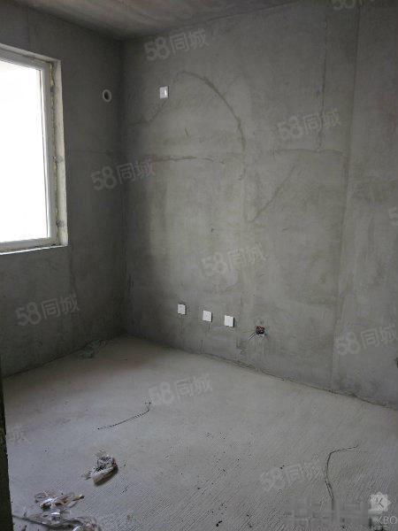 中央公馆三期,现房,包改合同可按揭,112平三室