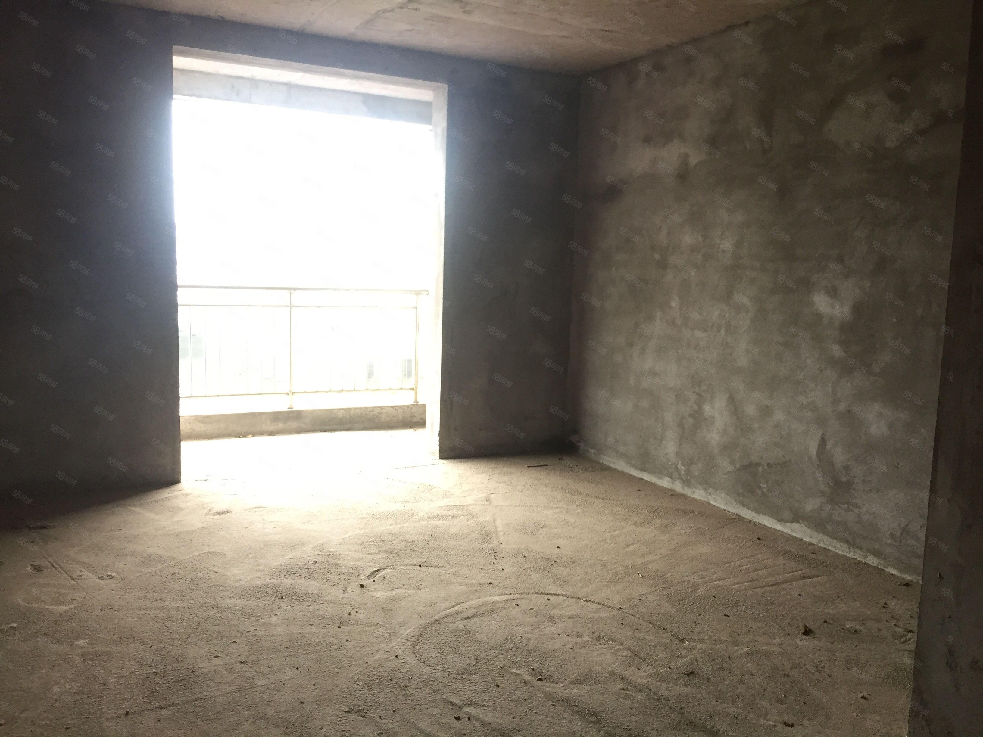 孤版现浇房4房仅售38.8万全城仅有一套中间楼层