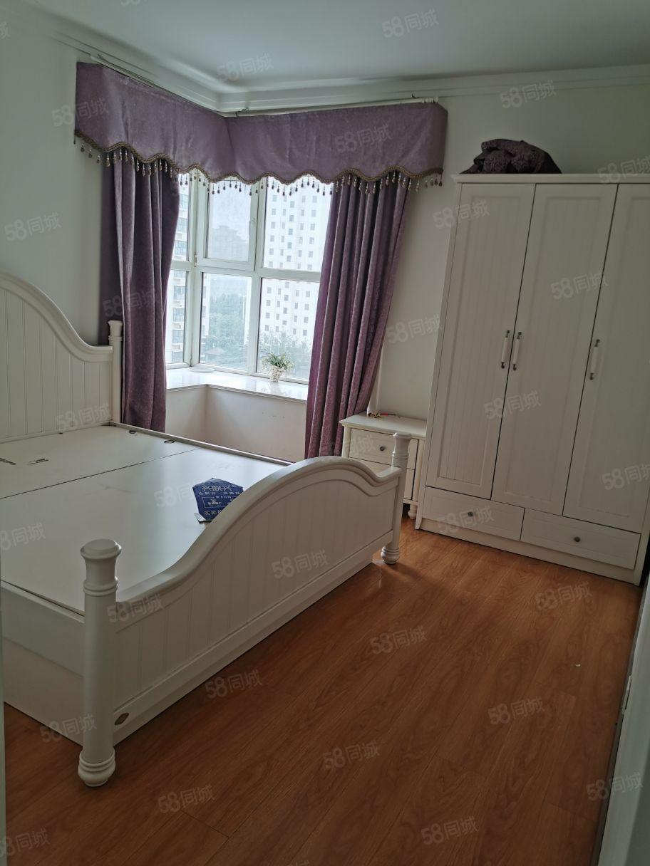 急租绿城花园精装三室两厅两卫干净整洁家具家电齐全