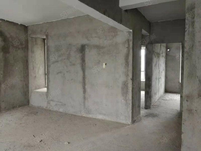 中惠沁林山庄复式毛坯房四个阳台送车库车位