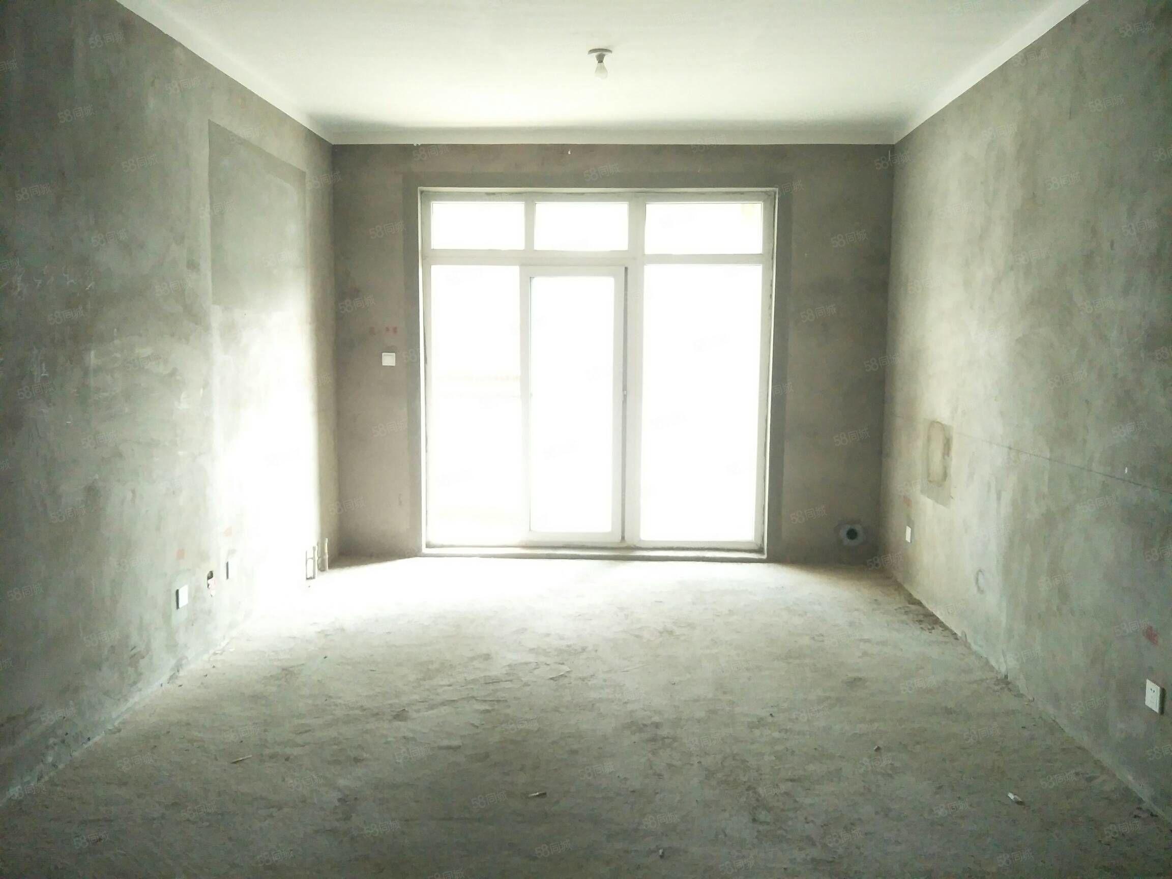 可以按揭,电梯高层,大三室,电梯高层,一线好视野。