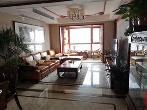 万达华府豪华装修四室两厅两卫,证满两年,可按揭,近商场,南湖