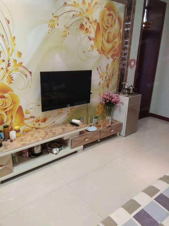 出售、纱厂路口附近3室1厅110平米精装修新房带家具家电