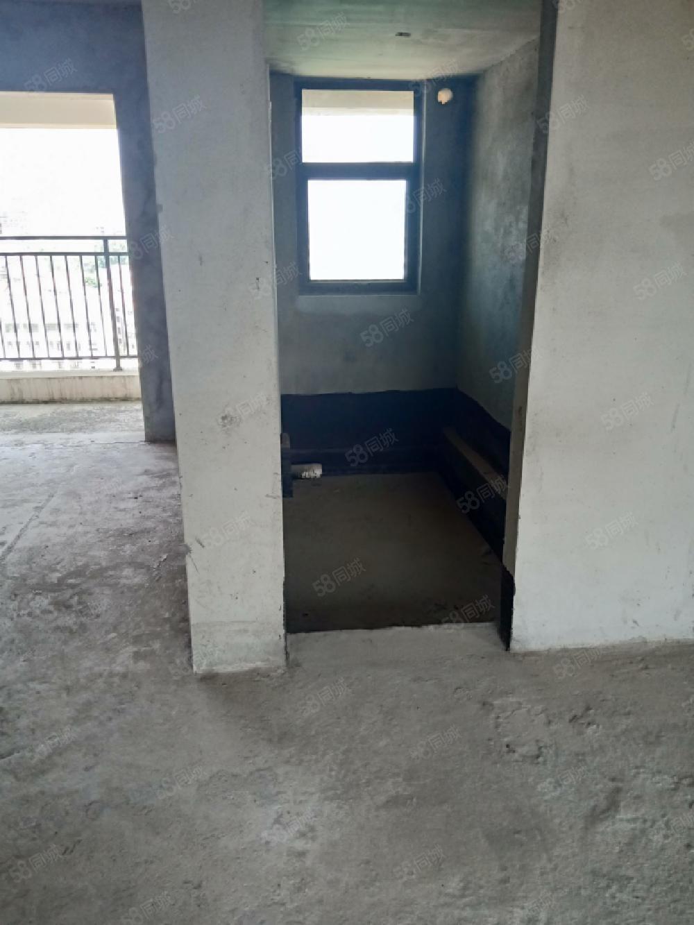 獨家房源,開發區,東坡旁,湖光月色南北通透毛坯三房,有鑰匙