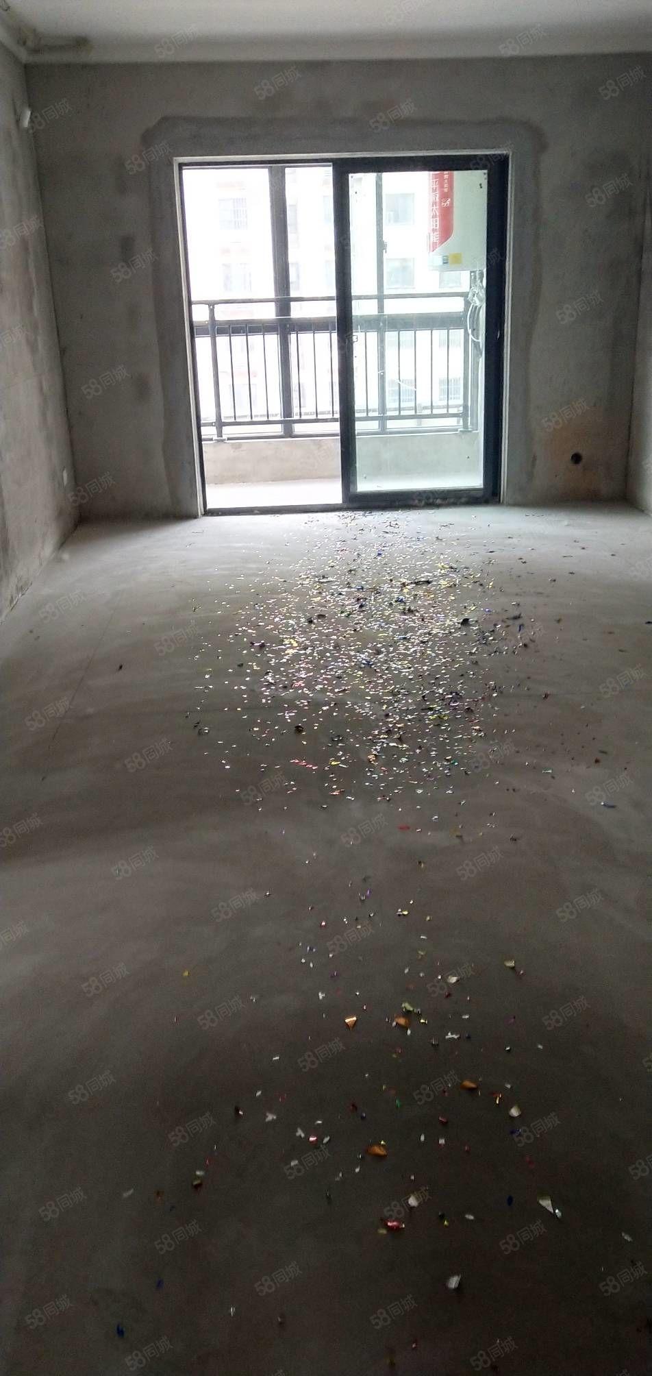 港湾新城5楼100平电梯房毛坯2室2厅1卫南北通透户型好