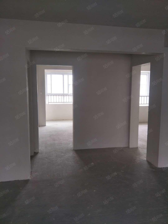 冠亚A区电梯洋房7楼,123平方,户型方正,南北通透