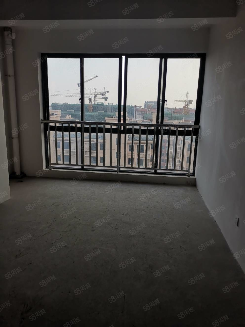 急售范庄花苑小高层7楼100平简装十自149.8万