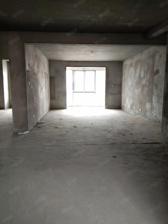 康桥半岛电梯房,中层,142平方,毛坯,准现房。67万出售!