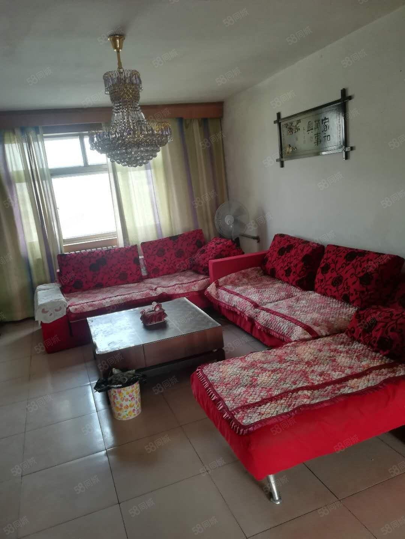 宏达小区,贵和西,家具家电齐全拎包入住,半年起租