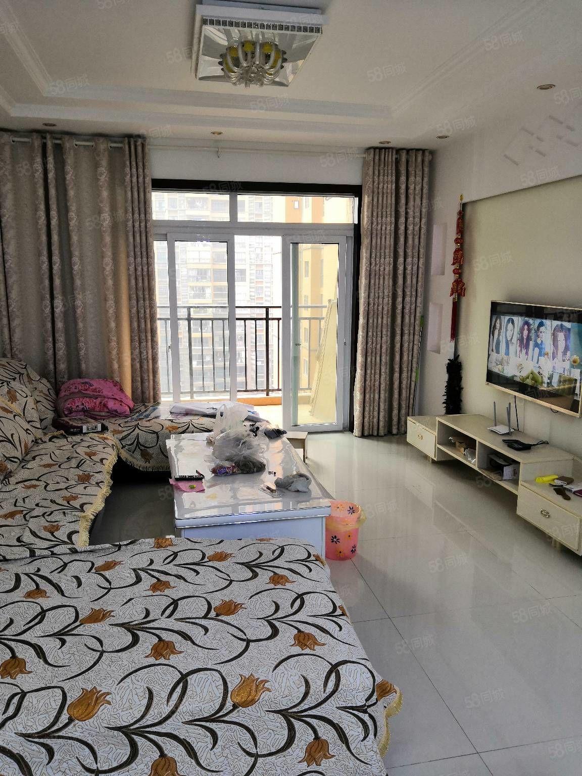 香山湖精装房带家具家电急卖!三室两厅一厨2卫一阳台101平米