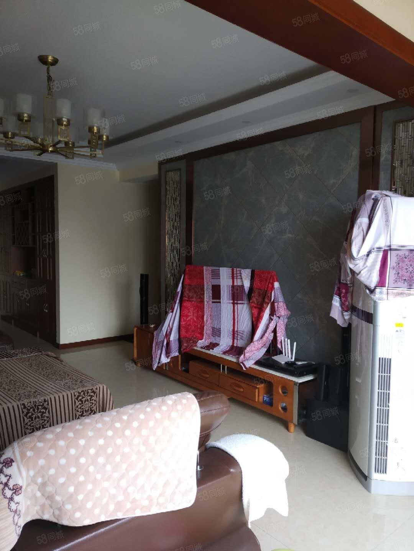 中博香山湖精装3房2卫小学边的房