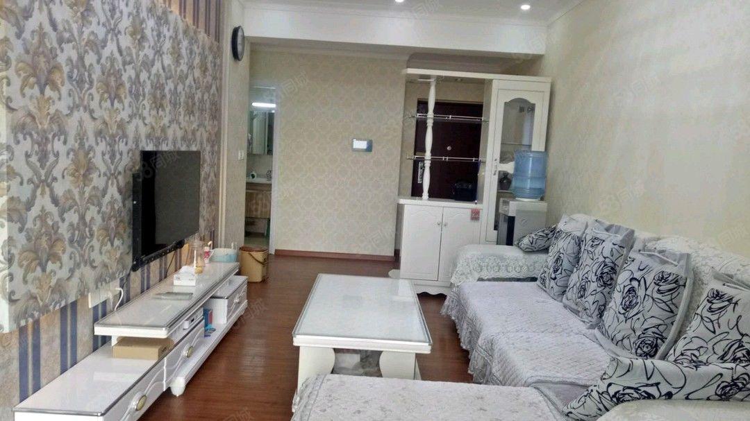极中心2000元2室2厅2卫普通装修,家具电器齐全非常
