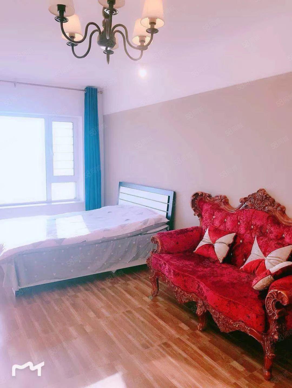 2室一厅铂金时代出租公寓精装修拎包入住