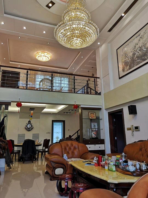 东门凯悦花园楼中楼出售,产权面积252.55平米,加一大车库