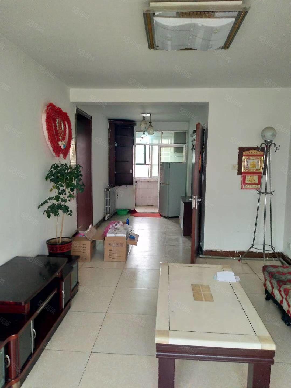 东关华宝花园2楼2室2厅拎包入住