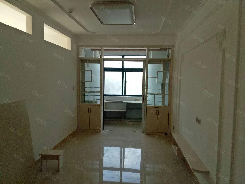 格林绿色港湾,温馨精装公寓,新装未入住,房东包改合同.