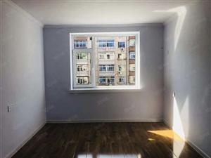 龙江北里正4楼64.2平米精装修地暖房出售