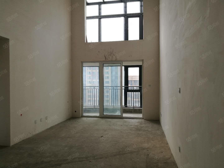 少有跃层六米挑高带大阳台户型方正