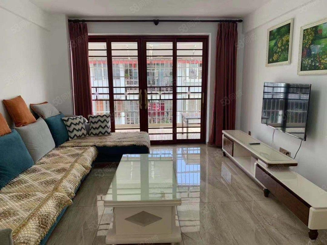 市中心一小旁带阳台带洗衣机等全套家具家电诚心招租
