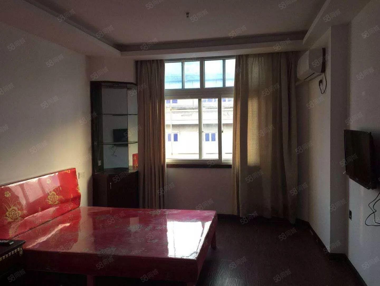三源公寓精裝好房,拎包入住,適合情侶,上班族