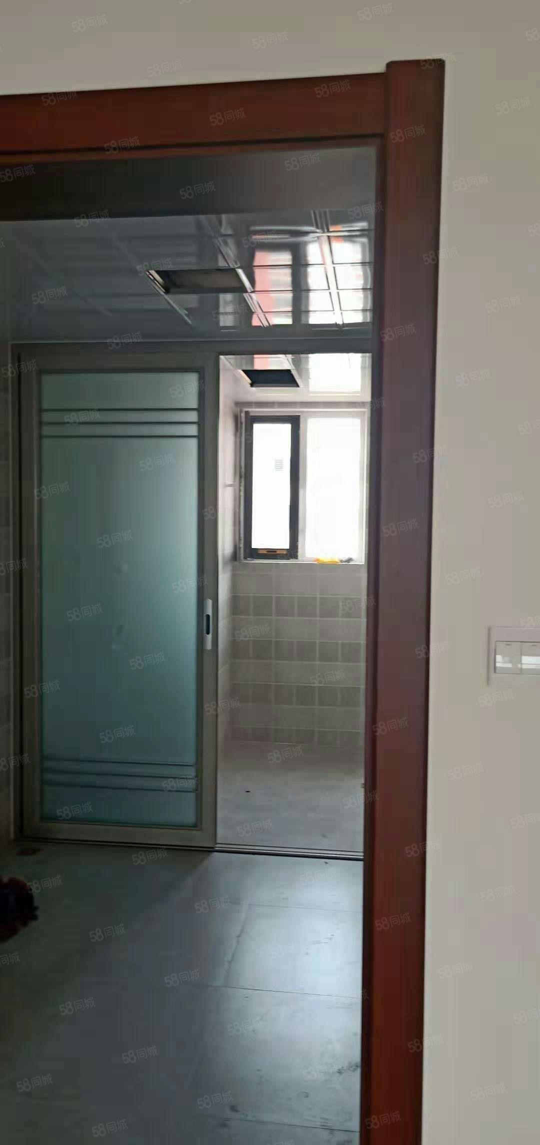 海胜悦园九楼精装地下室能改名性价比超高