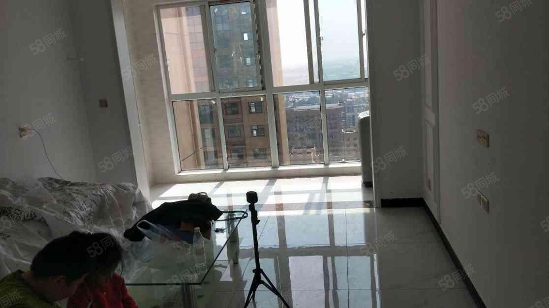 召陵区黄河路金色龙湾精装3室诚心出租,看房方便