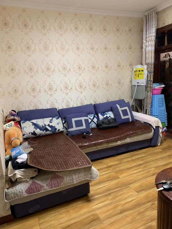惠民雅苑正式一室一厅精装2楼户型方正可按揭!!